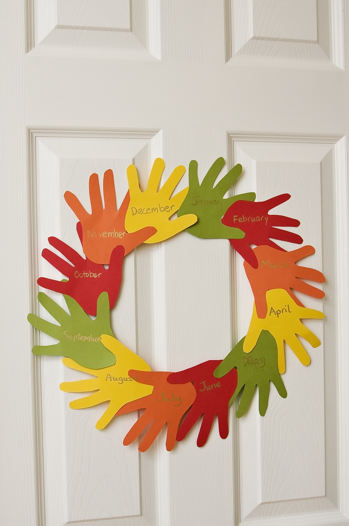 handprint wreath the preschool toolbox blog