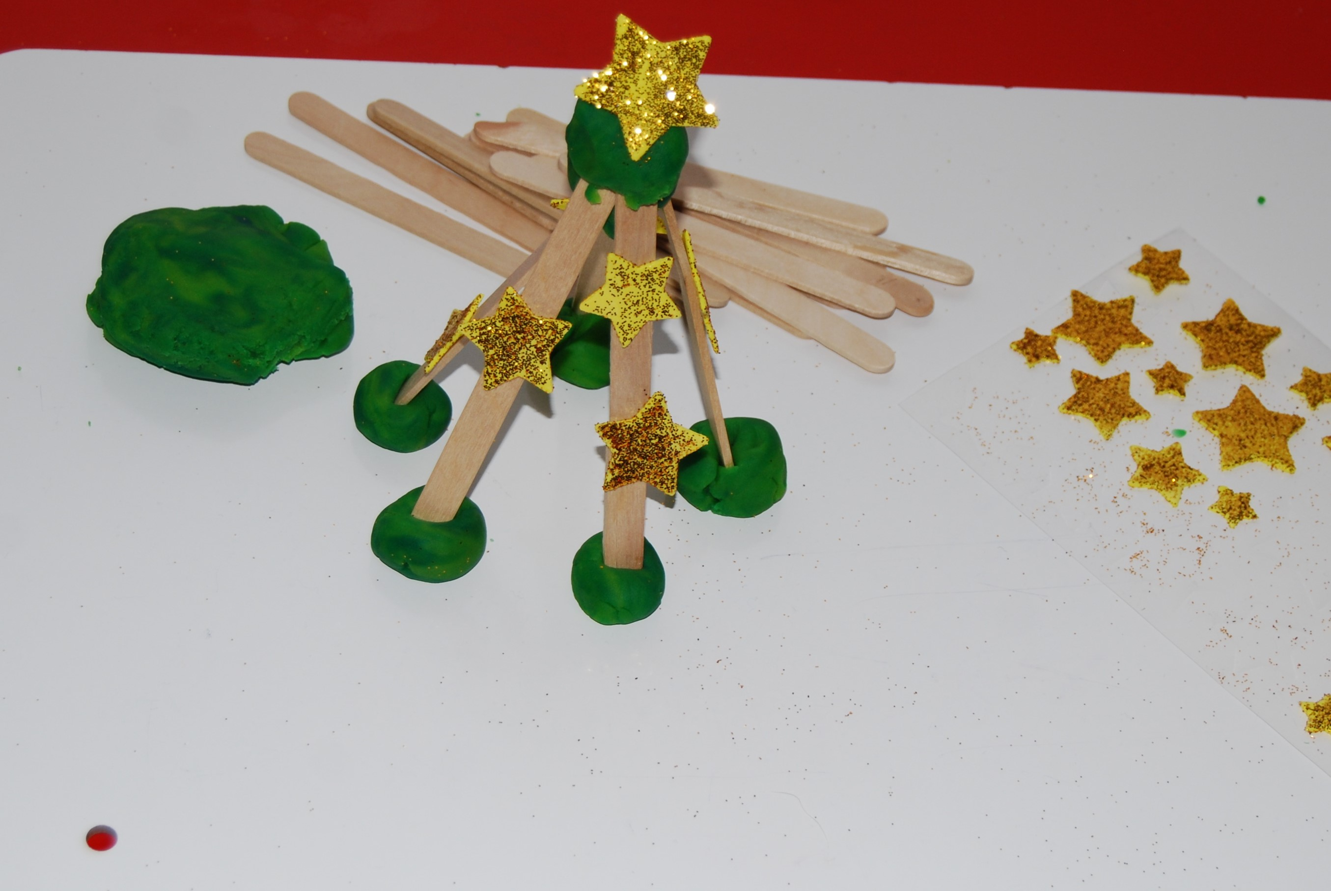 Christmas tree decorations blue and green - Winter Stem Activity For Preschool Evergreen Tree Building Challenge